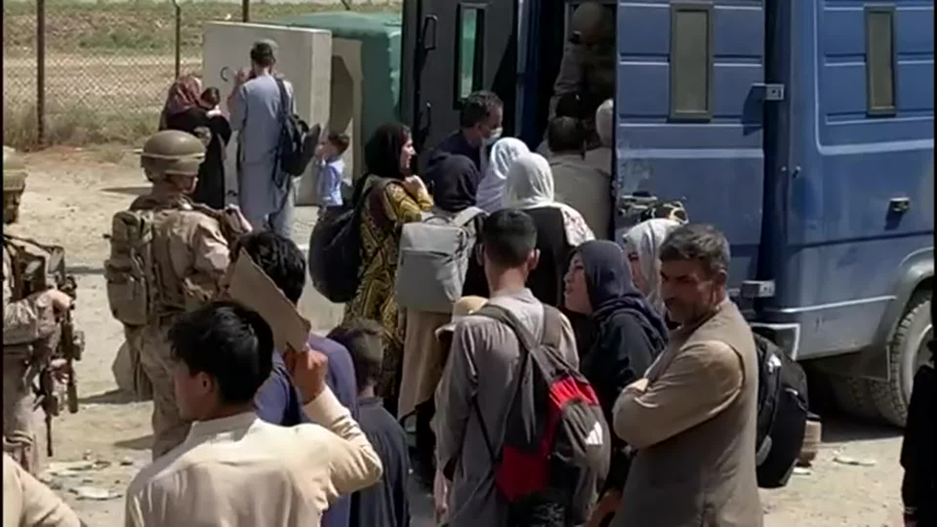 Image for Afghanistan: Clock ticking on evacuations from airport