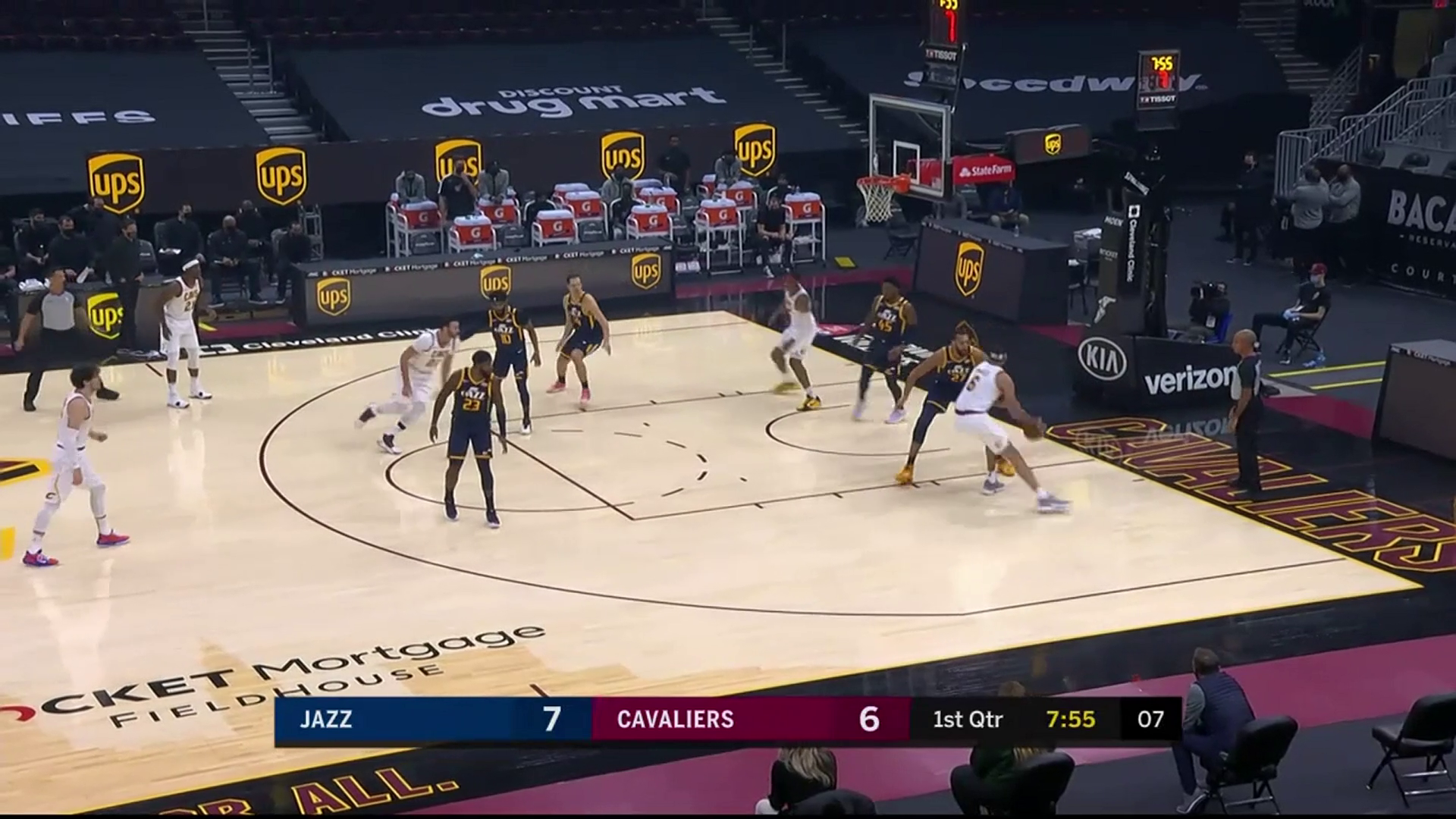 JaVale McGee Helps Get Cavs Off to a Fast Start