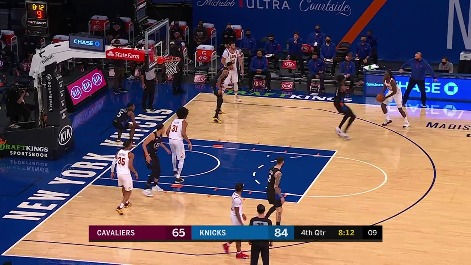 Prince Fires Pass into Allen for Dunk