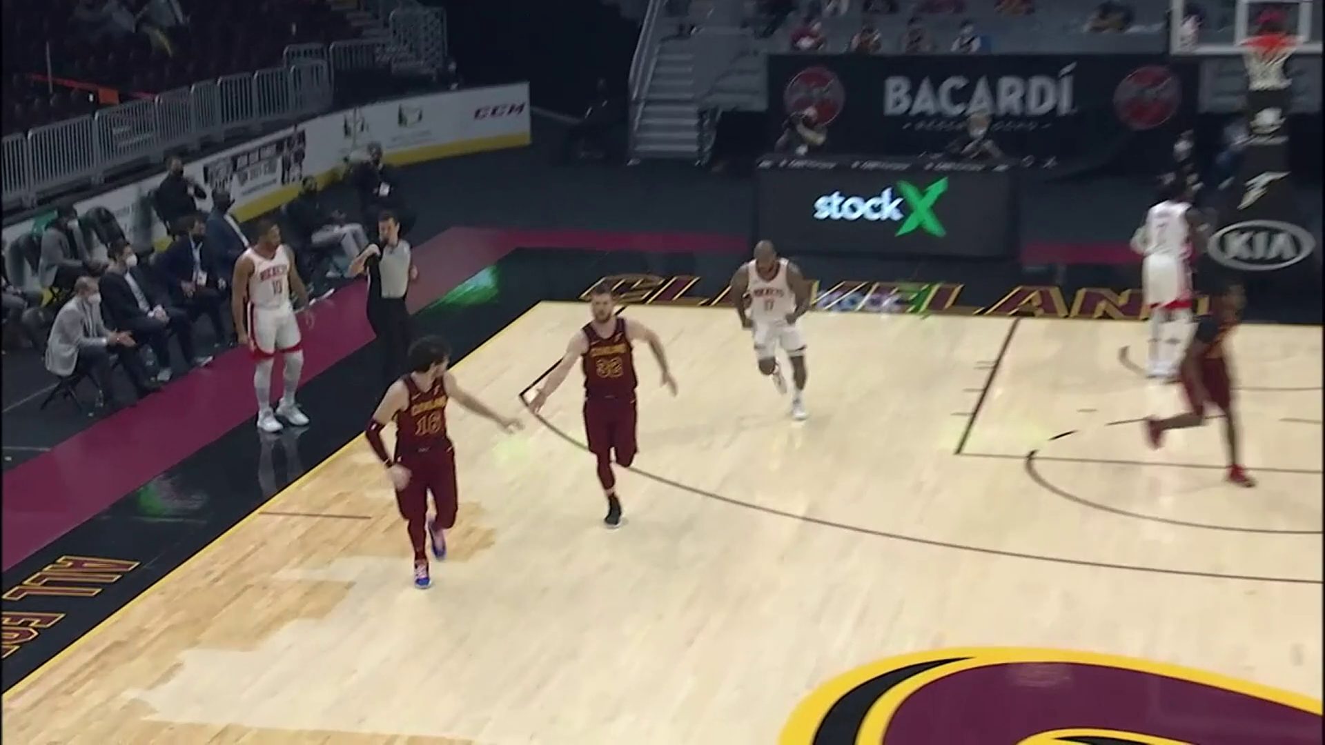 Cavs Show Off Ball Movement Late in Shot Clock