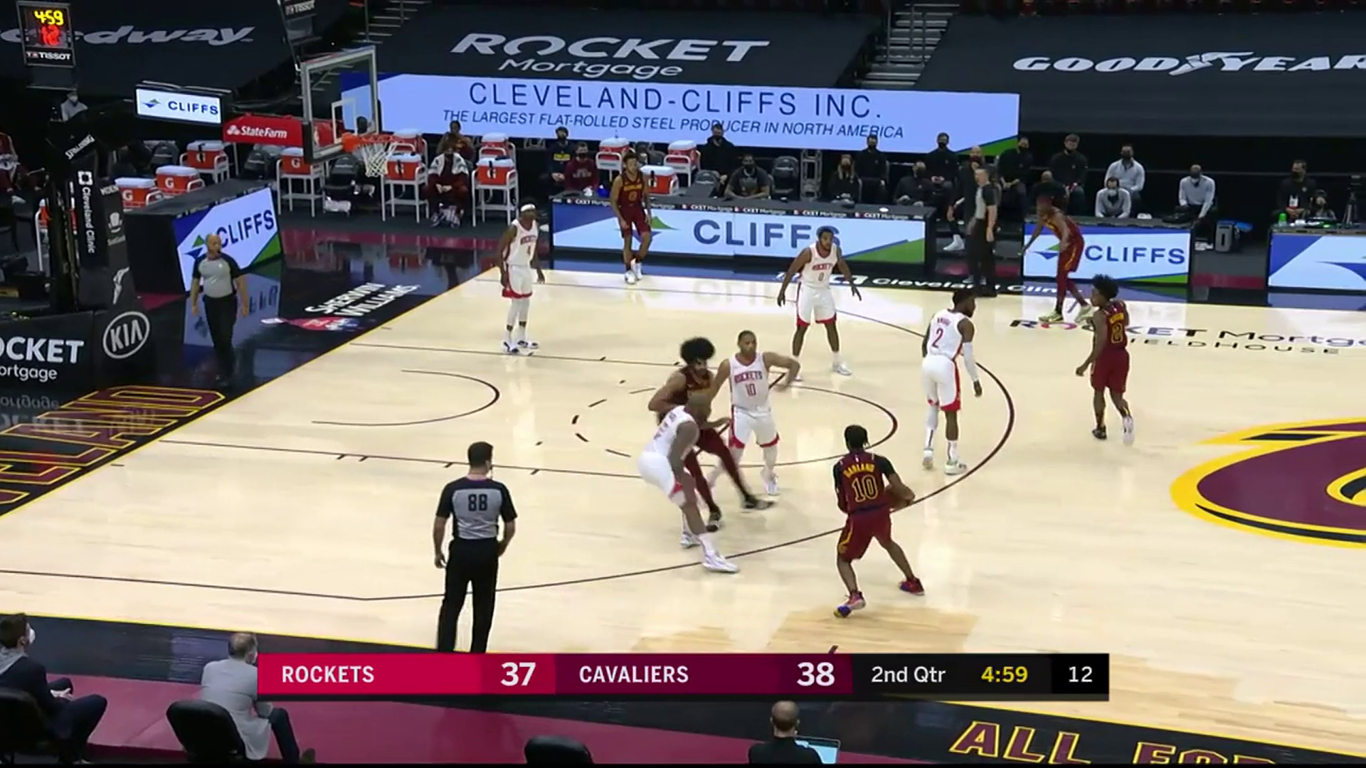 Garland Passes, Allen Finishes in the Paint