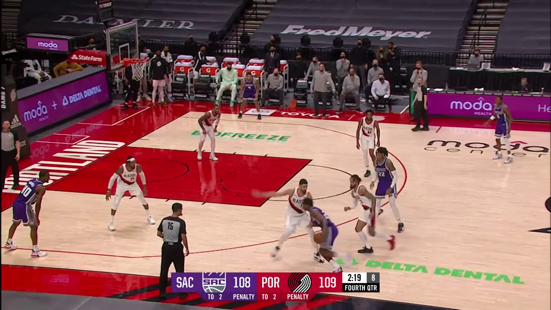 Blazers pull ahead late vs. Kings with defensive stops and big buckets