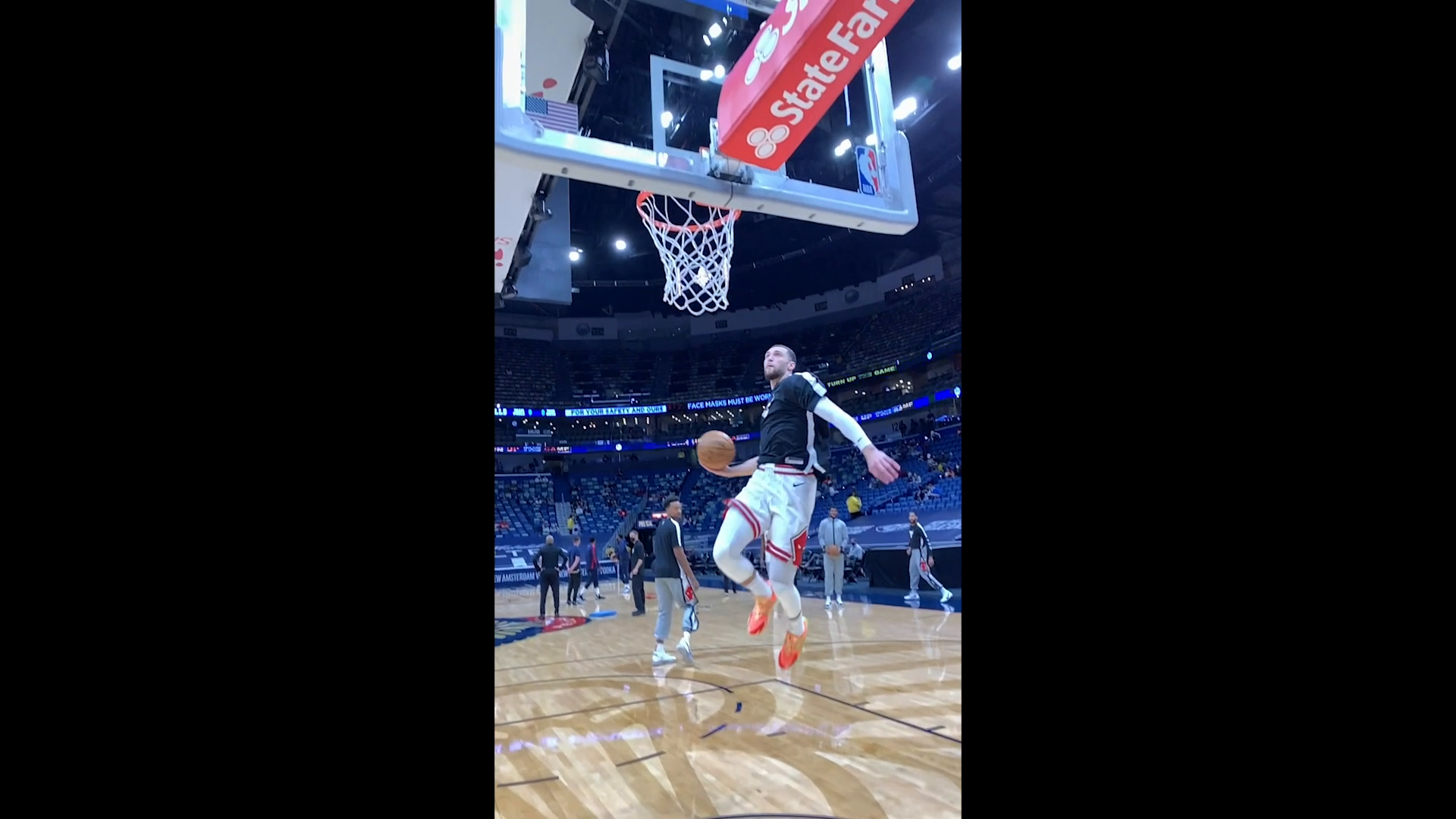 RIDICULOUS Zach LaVine pregame dunk