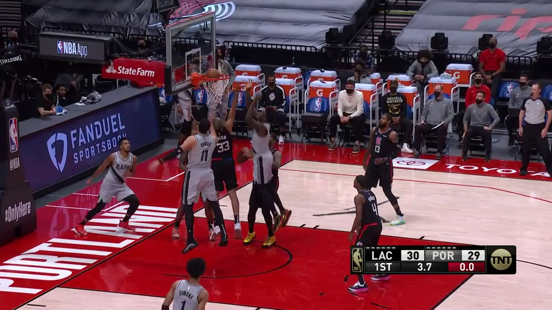 CJ McCollum gets the lefty floater to fall
