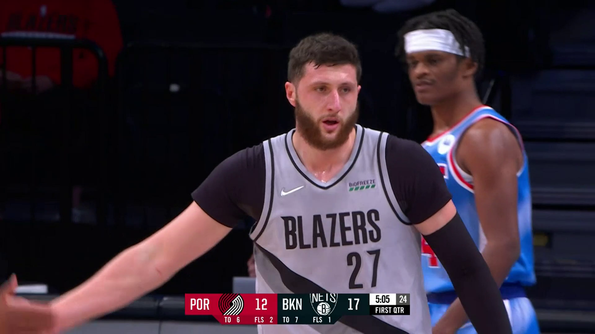 Nurkić takes the contact and makes the bucket