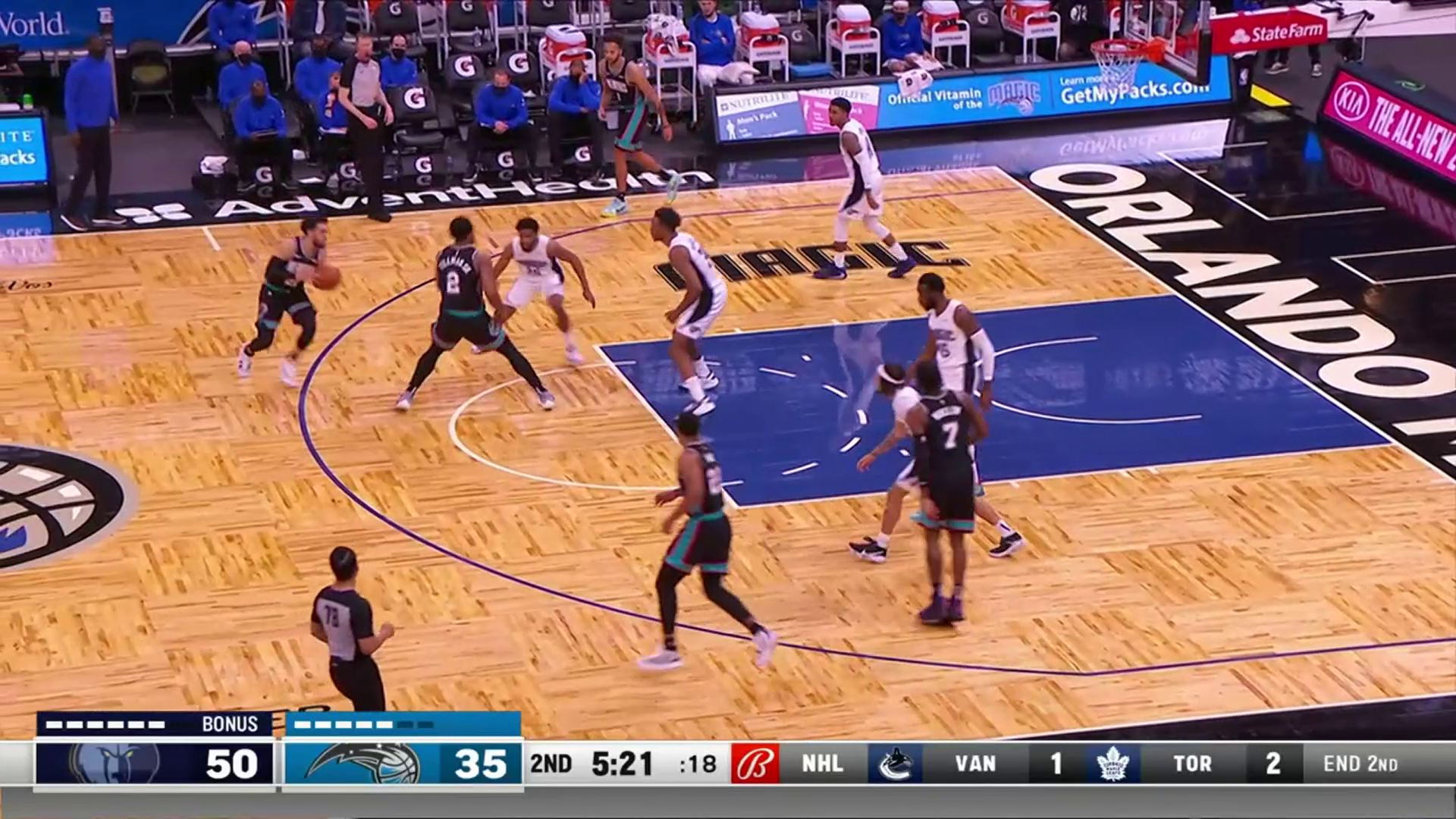 Tyus Jones with the smooth floater