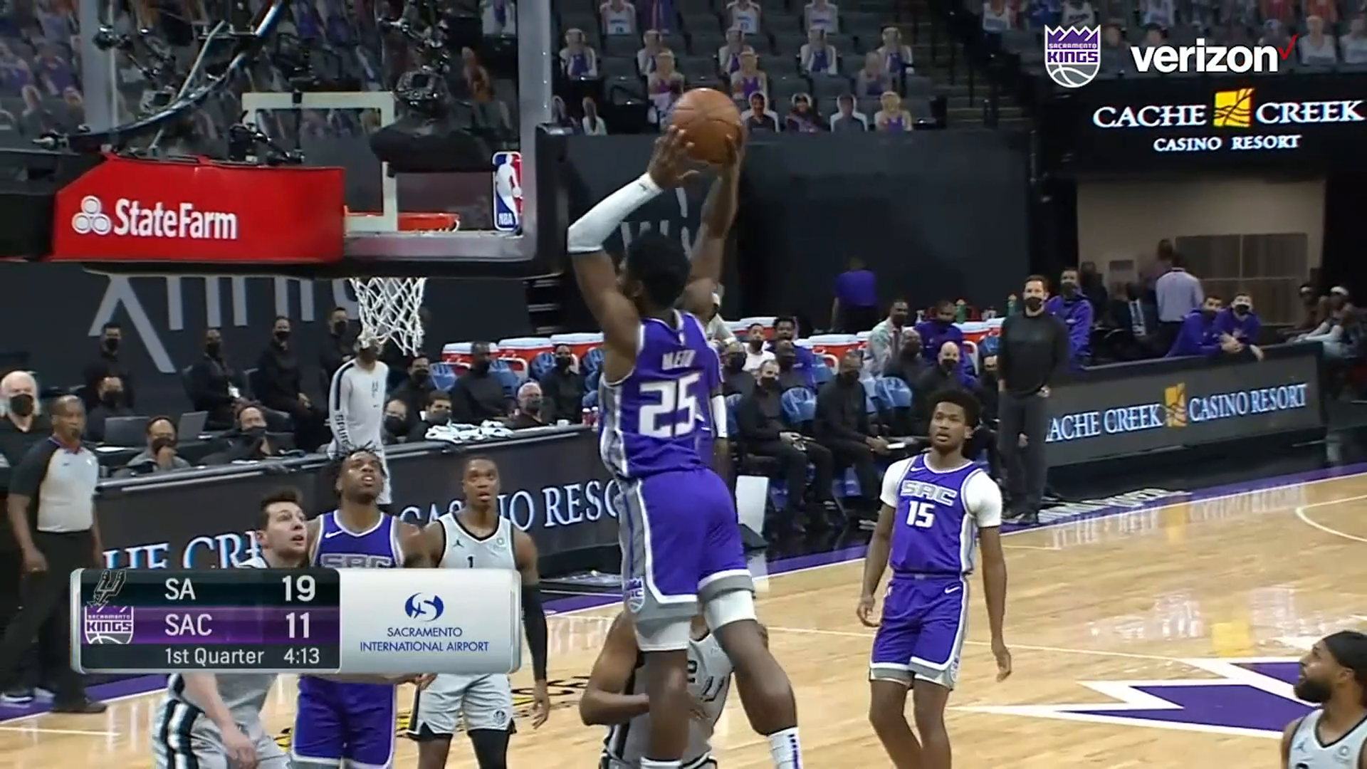 Mezie Makes Golden 1 Center SHAKE with Epic Dunk