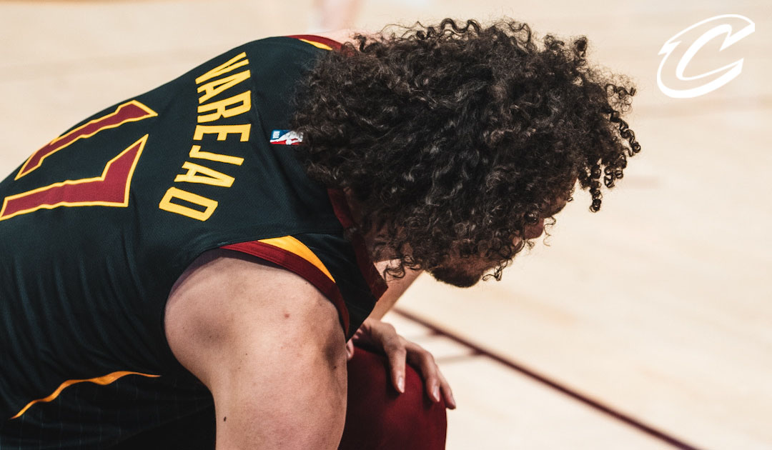 Varejao's Spin Cycle Leads to Two
