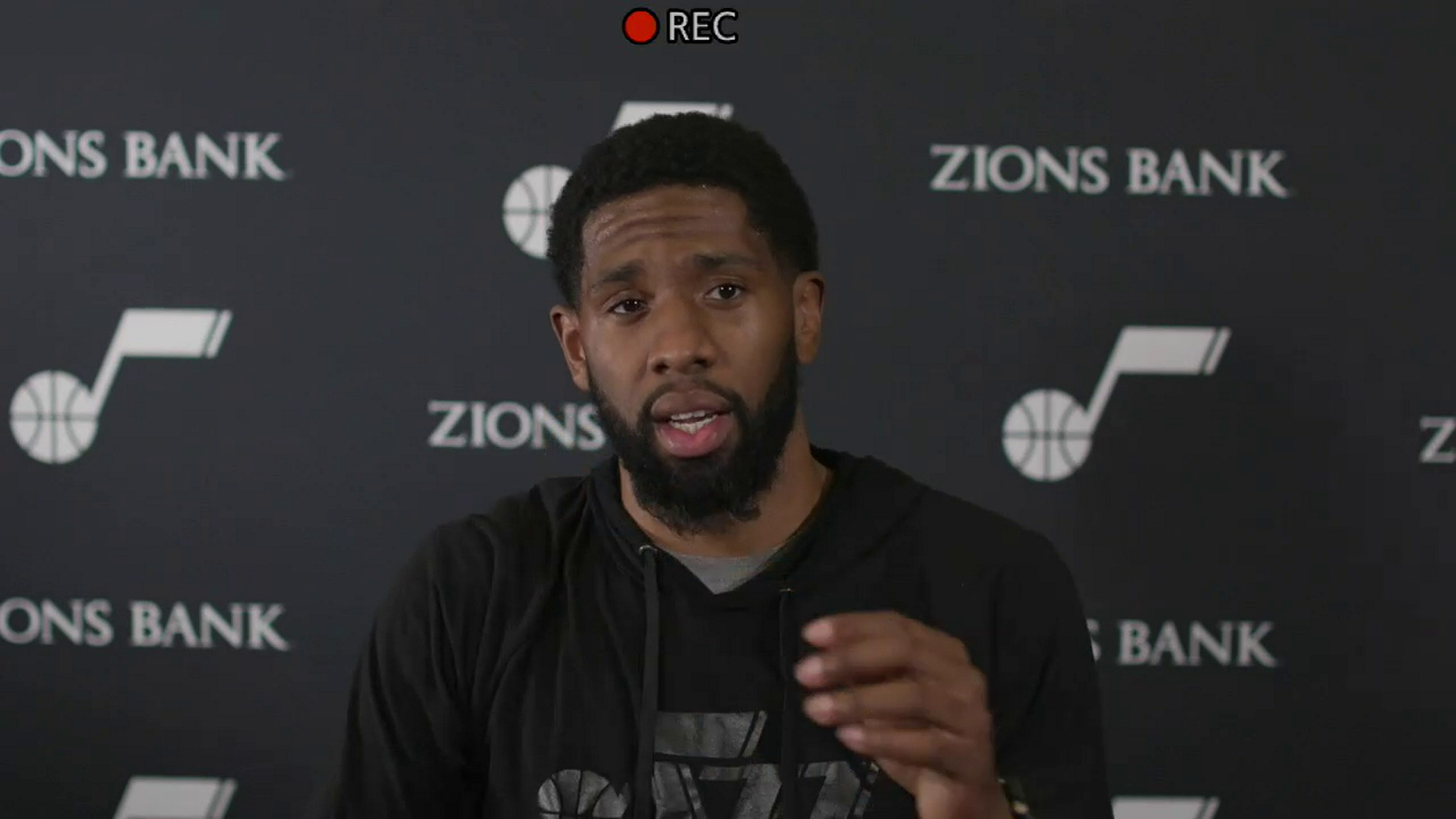 Shootaround 6.2—Royce O'Neale thinks team needs to continue to trust each other