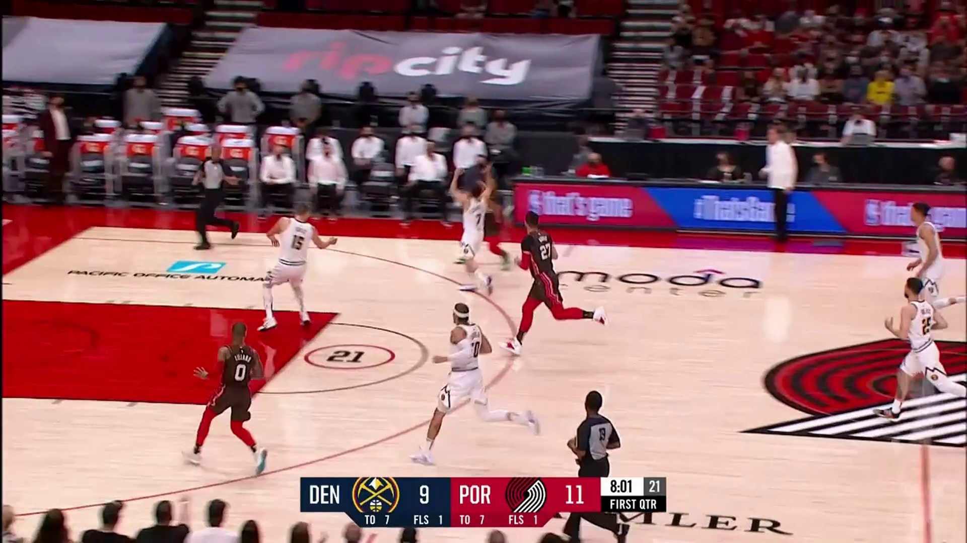 Norman Powell leaves his defender in the dust and hits the three