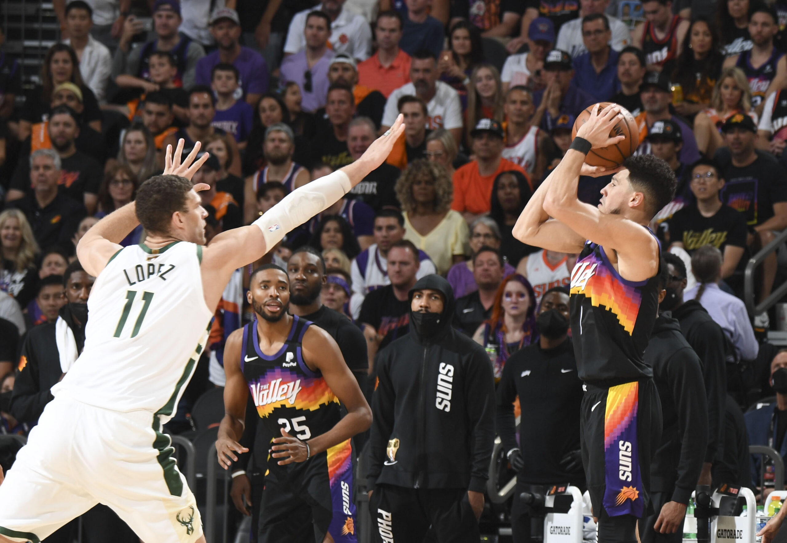 Devin Booker with 7 3-pointers vs. Milwaukee Bucks