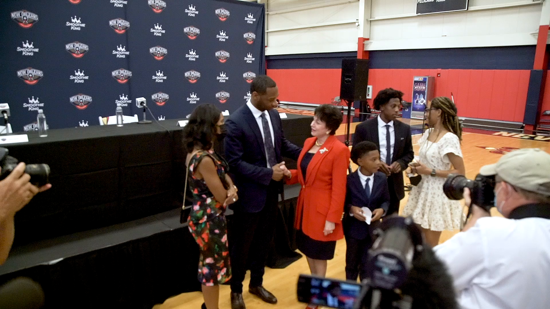 Behind the scenes at Pelicans head coach Willie Green's first press conference