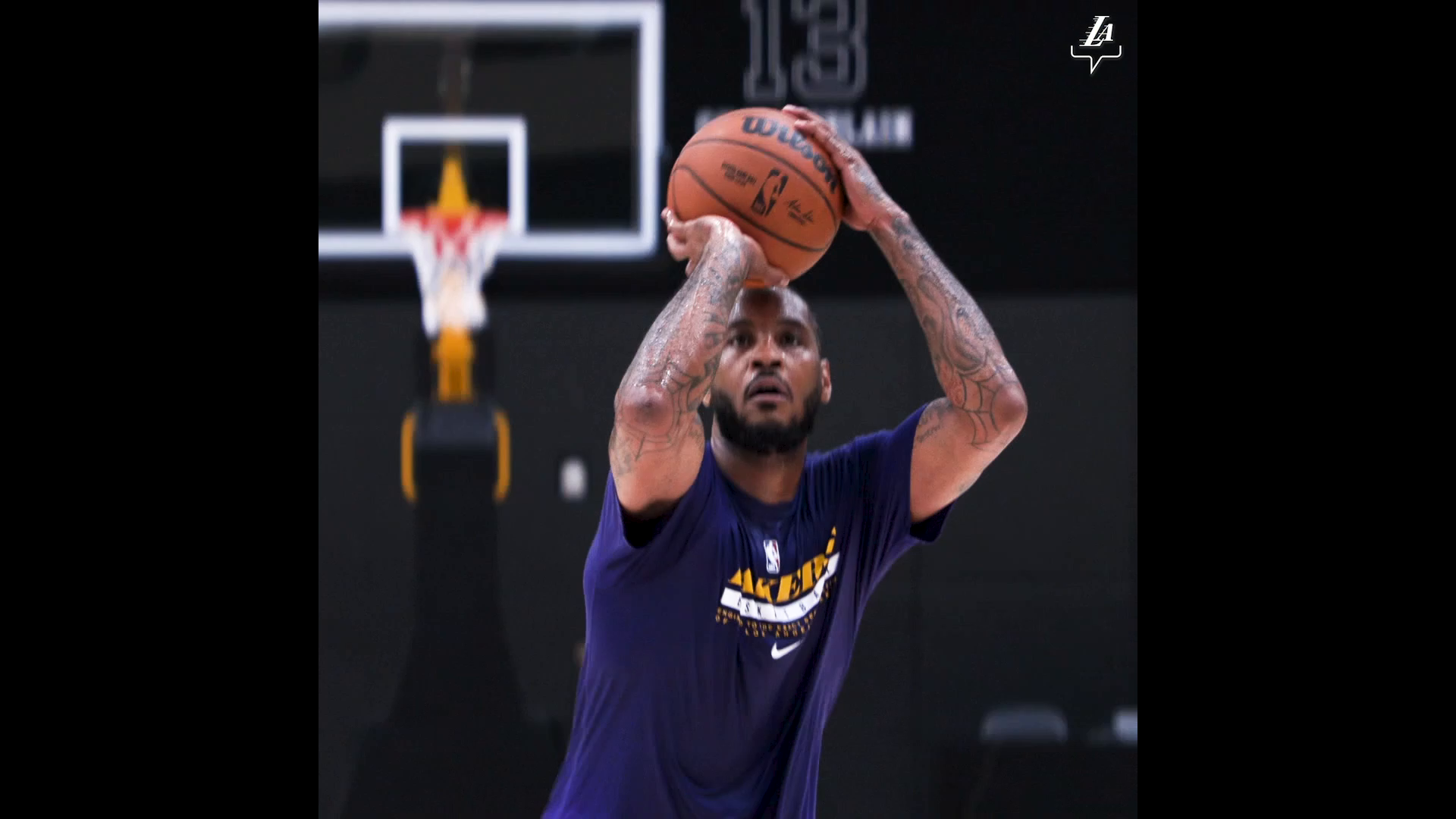 Melo getting buckets in the Purple and Gold