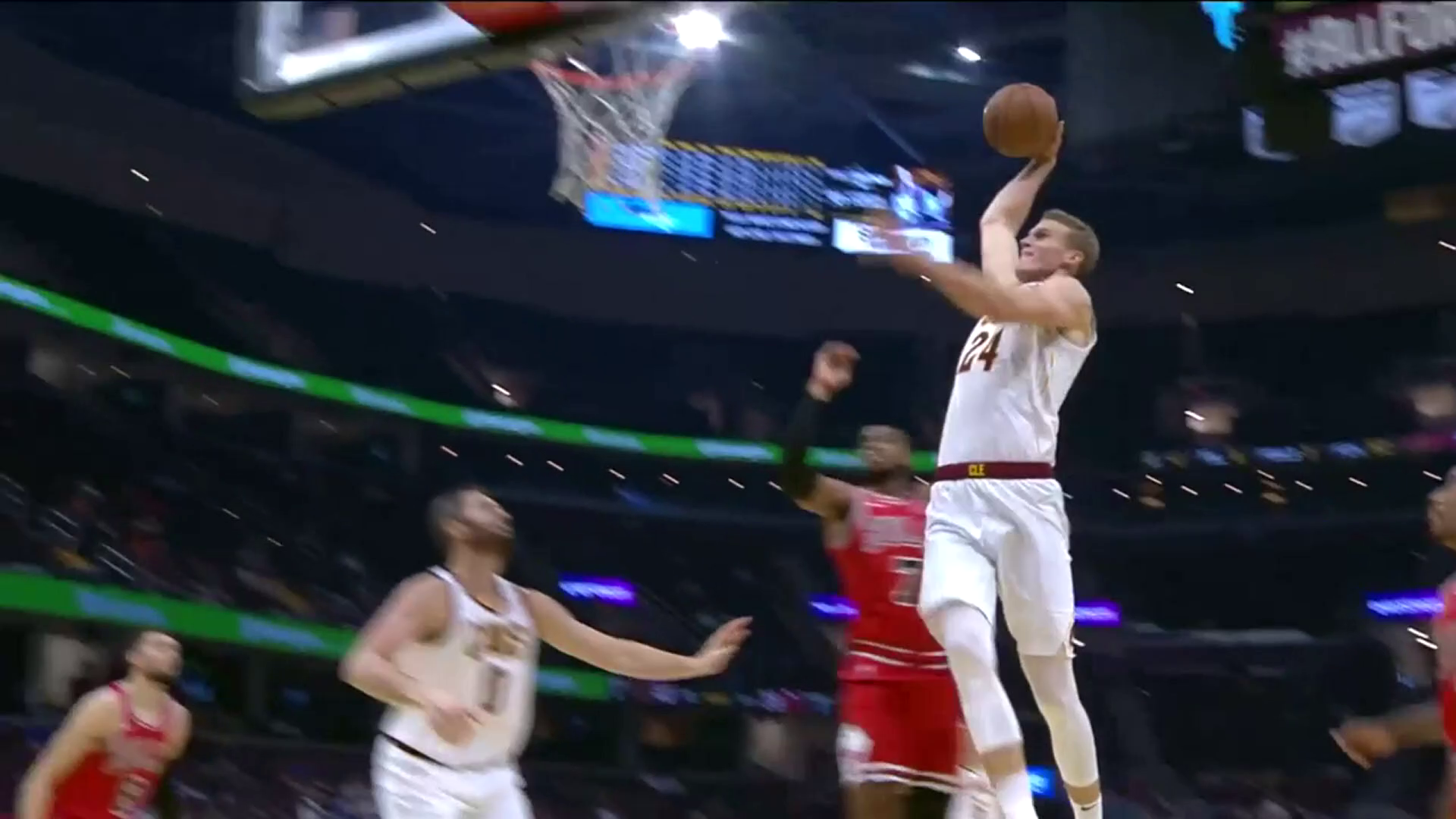 Lauri Flies in for Dunk